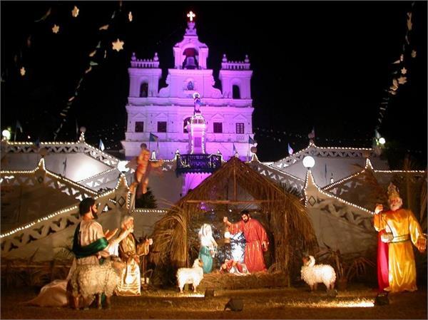 क्रिसमस सेलिब्रेशन के लिए सबसे टॉप पर हैं दुनिया के ये 10 Church