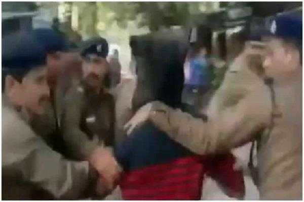 accused rape minor court premises indore angry lawyers beaten up