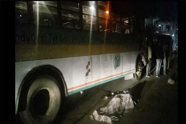 jwalamukhi road accident yuvak death