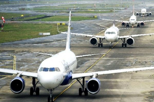 flight srinagar airport remained closed for eighth consecutive day