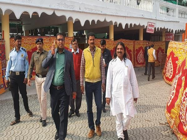 preparations completed at khajrana ganesh temple for new year aarti