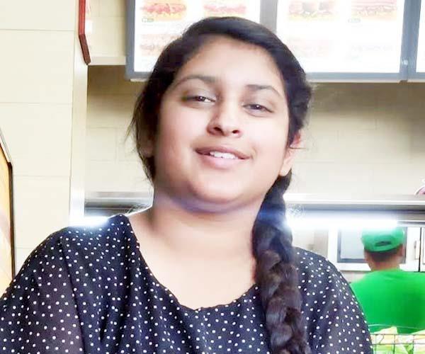 niyati sharma get certificate of excellence