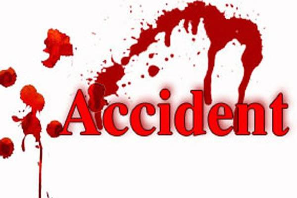tractor trolley hit activa dragged far