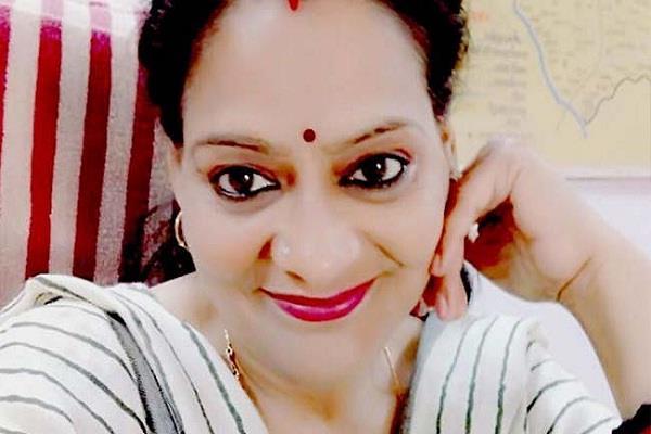 tehsildar amita singh tomar suspended after disputed post on facebook