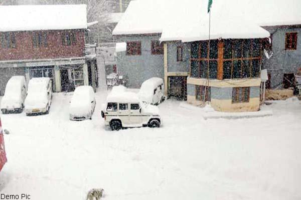 snow storm in koksar and sissu of lahaul