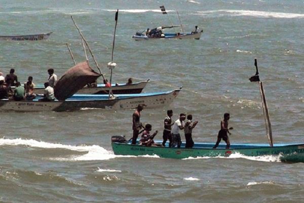 pakistan arrested 18 indian fishermen