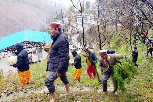 fastened safety thread in village