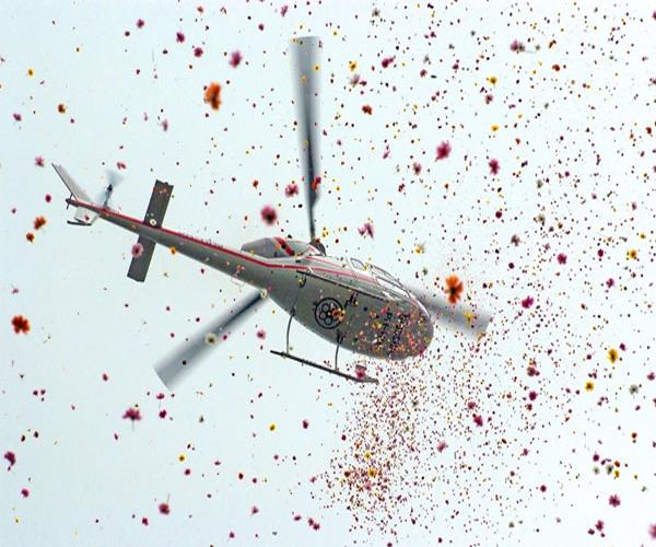 mahakumbh 2019 flowers will be flown by helicopters on pilgrims