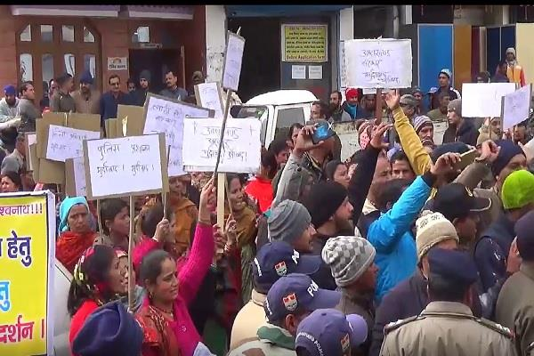 villagers protested against throwing garbage