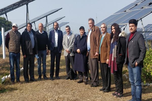 international commission visits solar lift irrigation project