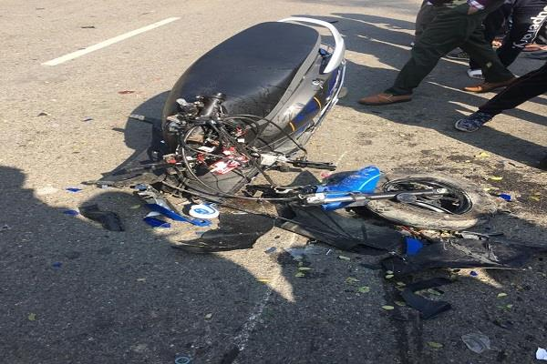 woman killed in bike and activa horrific collision 2 youth injured