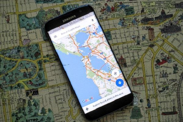 man complaint about google map