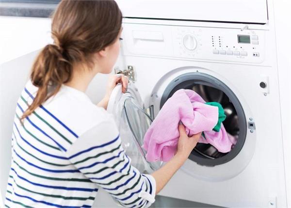Laundry Tips: कपड़ों की क्वालिटी बरकरार रखेंगे ये 12 टिप्स