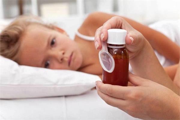 बच्चे को दवा देने से पहले ध्यान में रखें ये 4 बातें