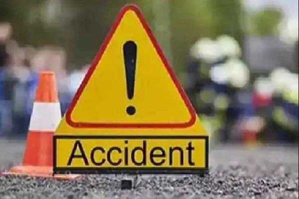 jharkhand two people died due to pick up van in palamu