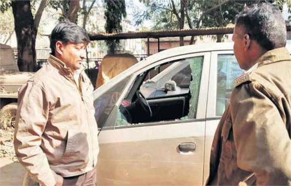 former haryana chief minister s grandson knife not given money
