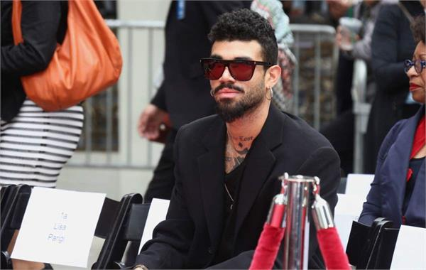 uk police detained bollywood singer s son miles for bomb threat
