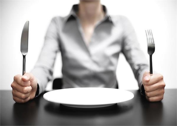खाली पेट किए ये 10 काम पहुंचाते हैं सेहत को भारी नुकसान