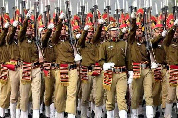 855 policemen honored before republic day