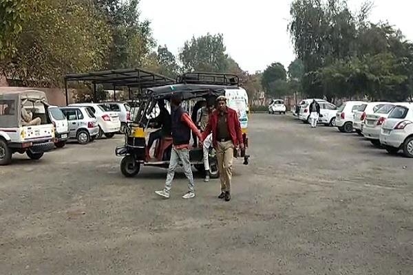 hi tech police claims open poles court to bring accused to auto