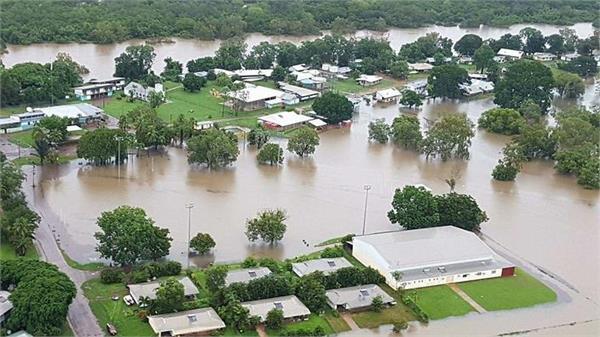 record breaking floods hit north australia