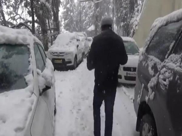 snowfall in dalhousie increased the trouble of tourists