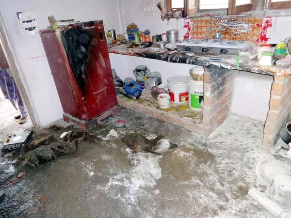 kitchen ashs during fire in gas cylinder 2 people scorched