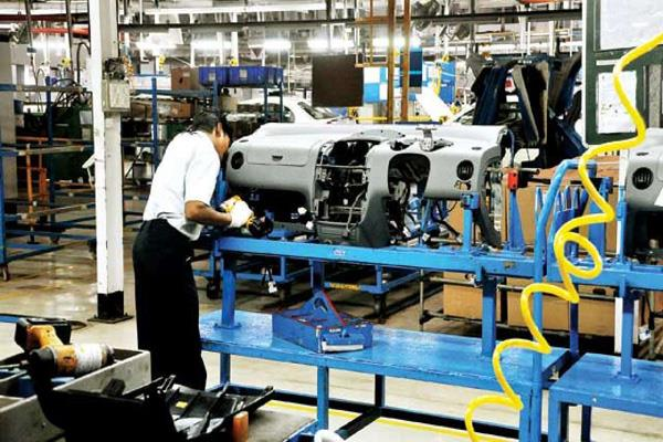 india s manufacturing sector slumped in december