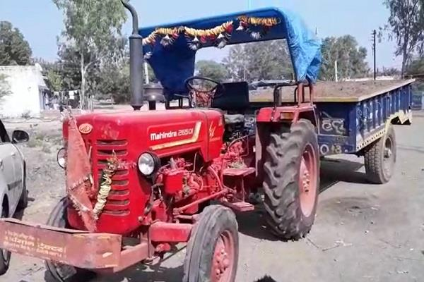 no trace of illegal occupation seized 2 tractor trolley in department s action