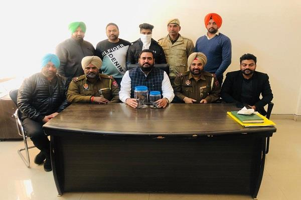 gurdaspur arrested with infamous gangster kaka arms