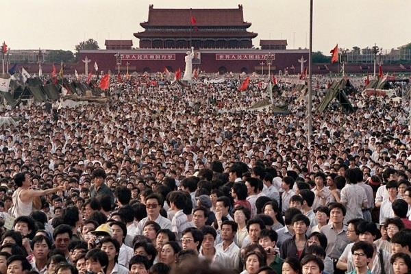 china population decreased for the first time in 70 years