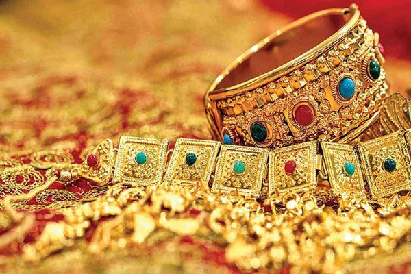 gems jewellery exports decline 6 77 in apr nov 2018 gjepc