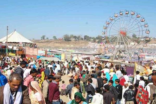 in the barmaan fair only 25 toilets for 50 lakh people