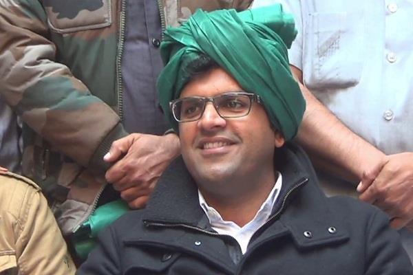 dushyant chautala can give chance to young candidate in jind by election