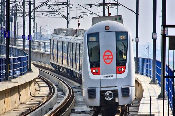 in delhi metro 94 percent of theft incidents happen in this way