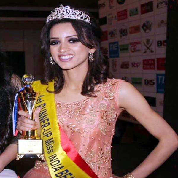 jiniya capture the titel of miss north beauty queen