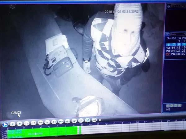 theft in 3 shop in maranda crime record in cctv