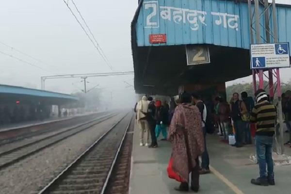 2 killed on railway track in separate accidents