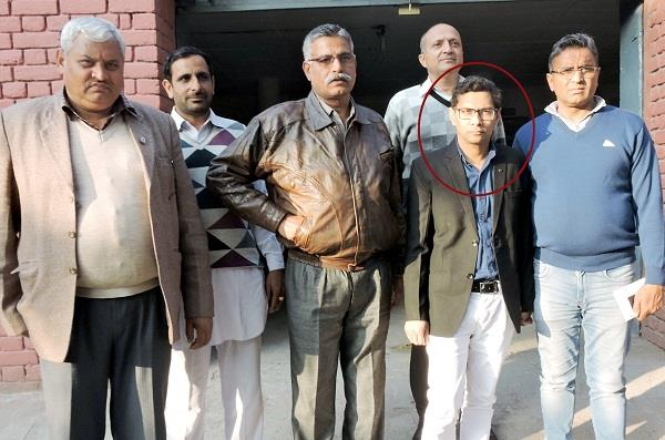electrician corporation ca arrested for demanding bribe