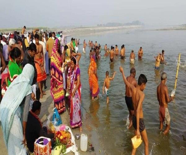 varanasi millions of pilgrims dump the belief in the ganges on the moonlight