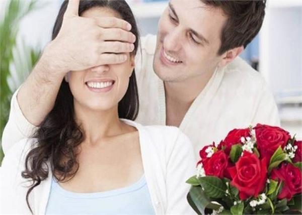 Rose Day: जाने, राशि के हिसाब से पार्टनर को कौन-सा गुलाब करें गिफ्ट