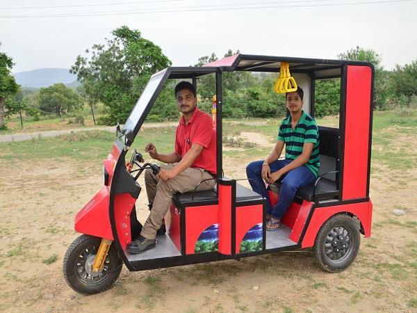 auto powered battery by una gabaru