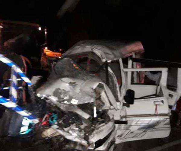 uncontrollable car collision with railings painful death of 2