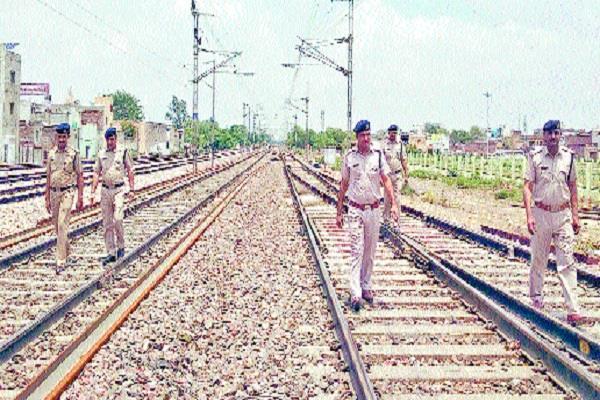 agencies alert about delhi ambala railroad safety