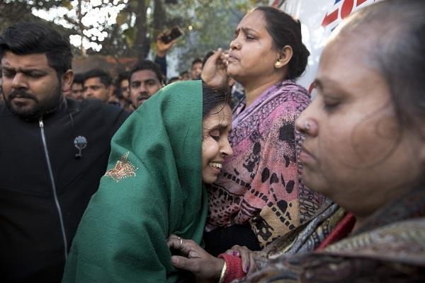 delhi karol bagh gangaram hospital ram manohar lohia fire