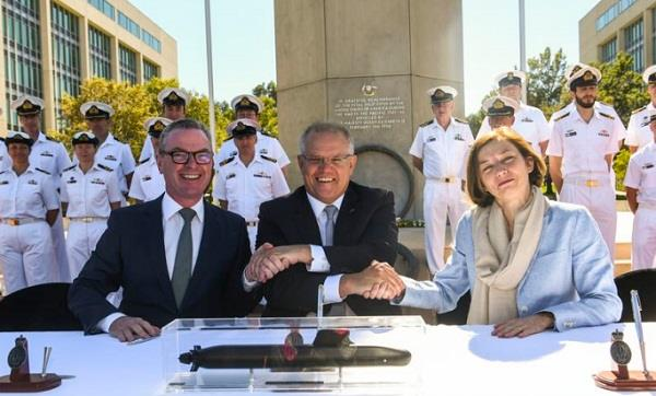 australia signs submarine deal with french shipbuilder