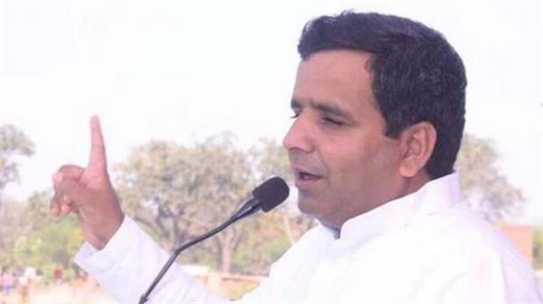 sp mp speaks on yogi sarkar attack said bjp is afraid of coalition