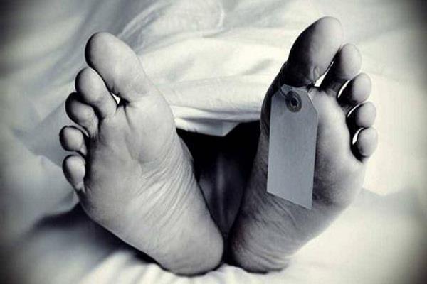 near heritage temple sloan found the dead body of man in delhi