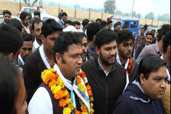 ashok tanwar stopped from going to cdlu bjp charged with charges
