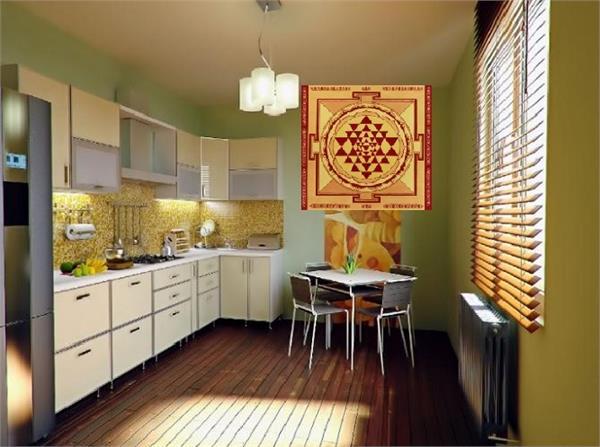 Vastu: बिगड़ते रिश्ते की वजह है किचन का वास्तुदोष, ऐसे करें दूर